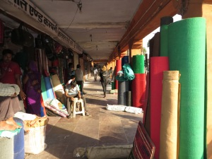 Shops lining roads in Jaipur