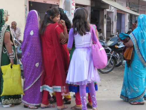 Chatting Ladies of Jaipur
